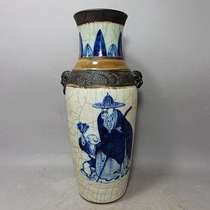 清代哥釉青花人物绘画赏瓶