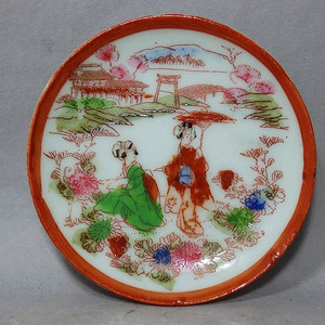 明治时期侍女人物绘画盘