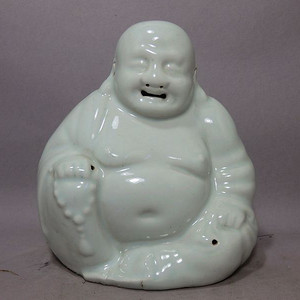 晚清白釉弥勒佛像