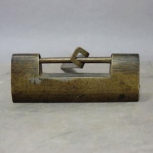 清代铜制素面锁