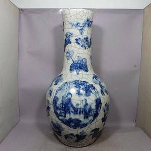 清代 号哥釉青花西厢记人物绘画天球瓶