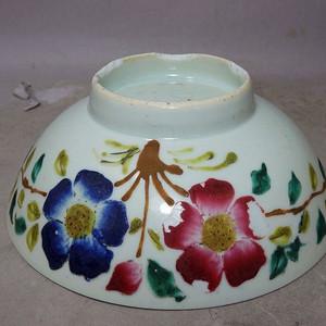 民国粉彩花卉绘画碗