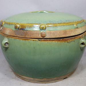 清代大号绿釉四系鼓钉盖缸