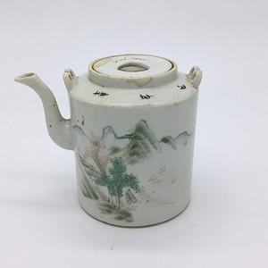 清 晚期浅绛彩名家山水人物茶壶一件