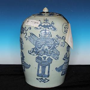 清中期豆清釉博古纹罐