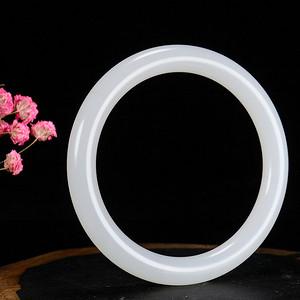 天然羊脂白玉镯子正宗和田玉手镯女士玉镯内径58.5mm