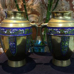 19世纪 龙耳填珐琅铜瓶一对