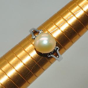 2.8克镶珍珠戒指