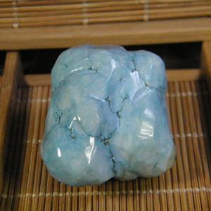 天然绿松石原石64.8克