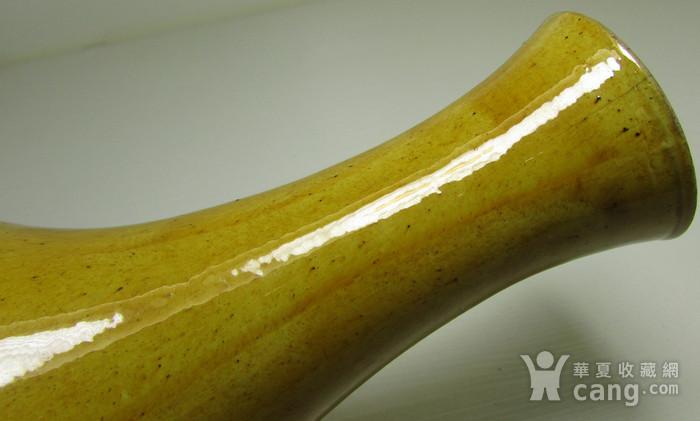 清中晚期浮雕龙凤纹黄地素三彩橄榄瓶图5