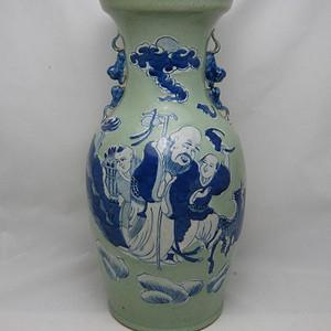 清代豆青釉青花加白150件三星人物掸瓶