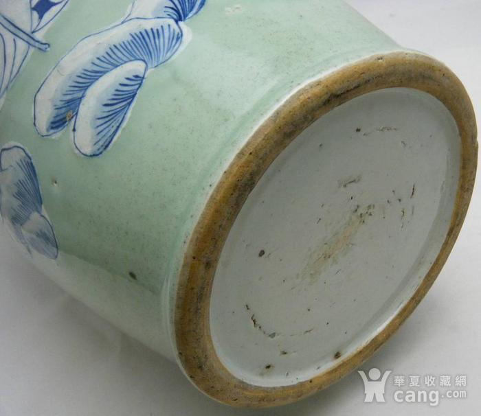 清代豆青釉青花加白150件三星人物掸瓶图10