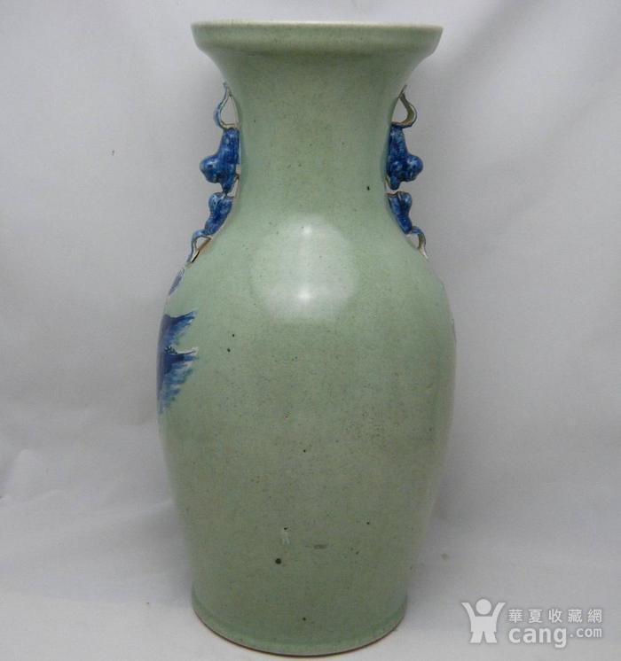 清代豆青釉青花加白150件三星人物掸瓶图4