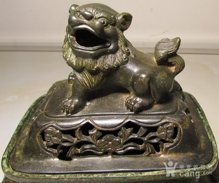 老铜錾刻人物故事狮钮天鸡图5