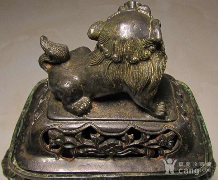 老铜錾刻人物故事狮钮天鸡图6