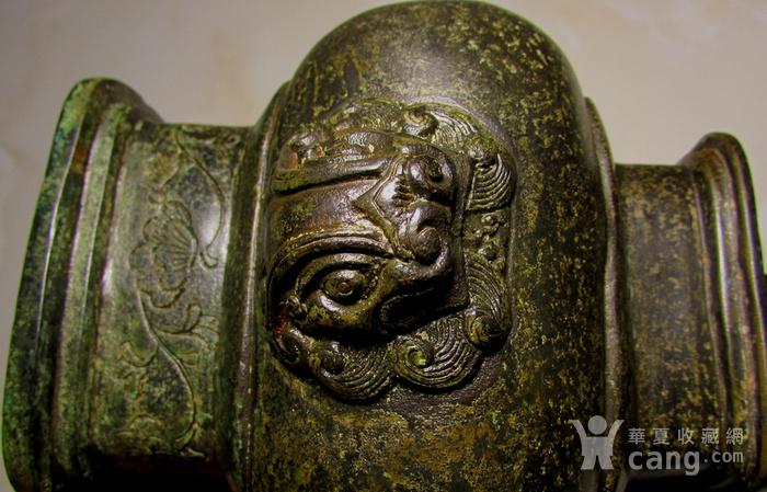 老铜錾刻人物故事狮钮天鸡图7