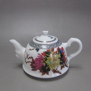 民国名家 粉彩花卉纹茶壶