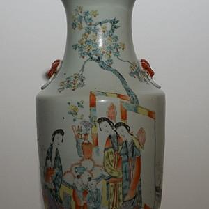 民国粉彩瓷瓶