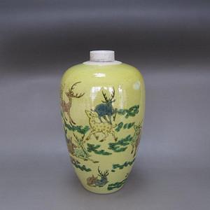 民国黄釉粉彩百鹿纹梅瓶