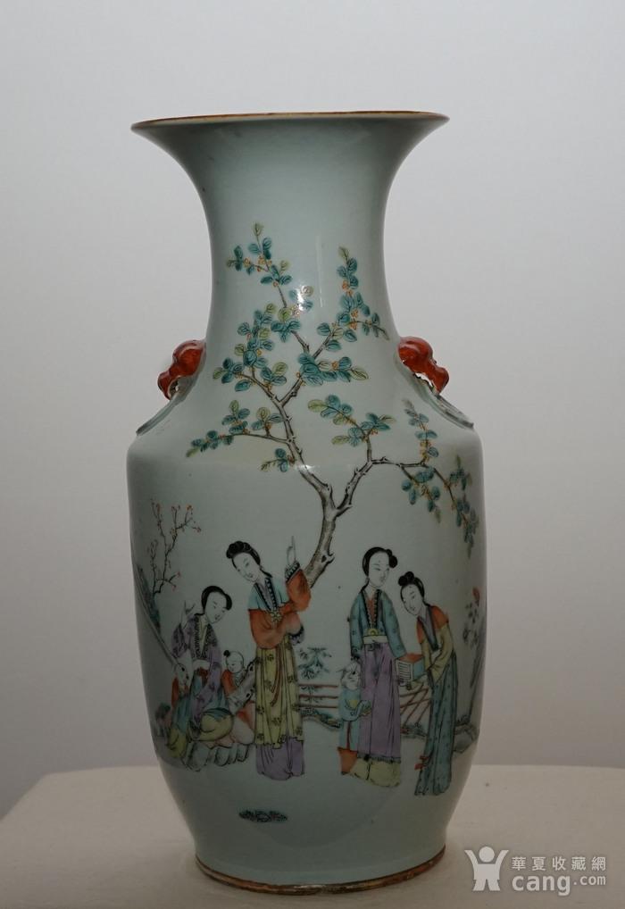 粉彩人物书法瓷瓶图2
