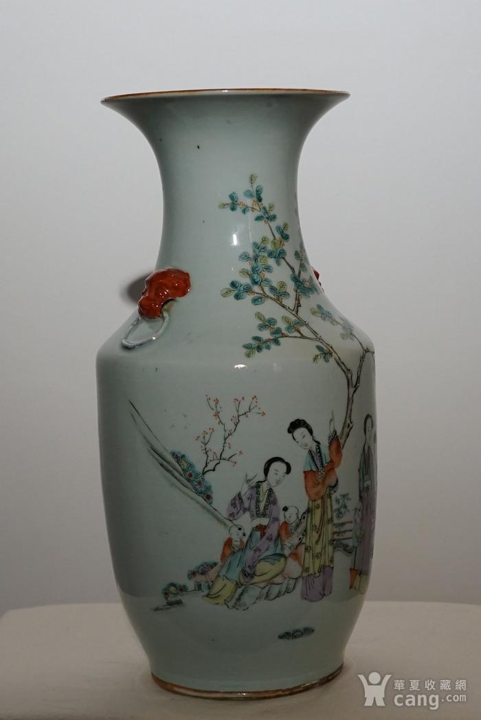 粉彩人物书法瓷瓶图3