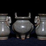清哥窑瓷器香炉饰瓶三件套CN53