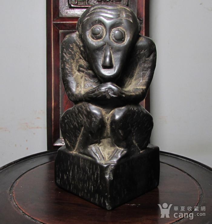 青石雕猕猴献寿文房摆件图2
