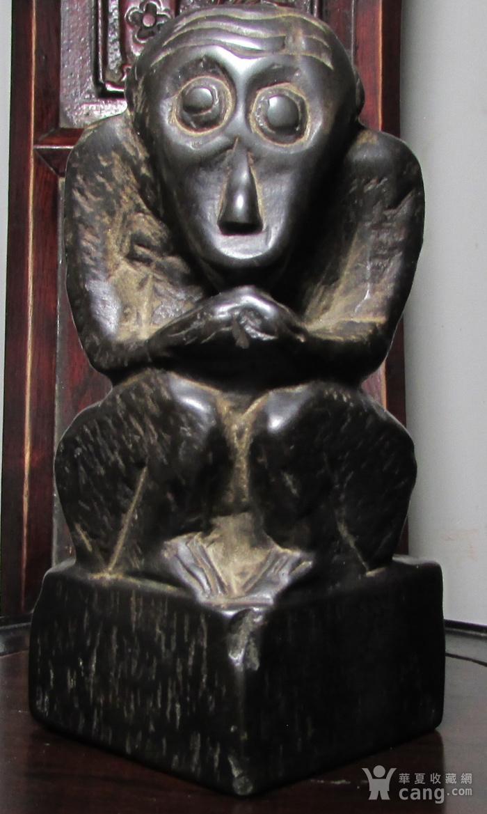 青石雕猕猴献寿文房摆件图3
