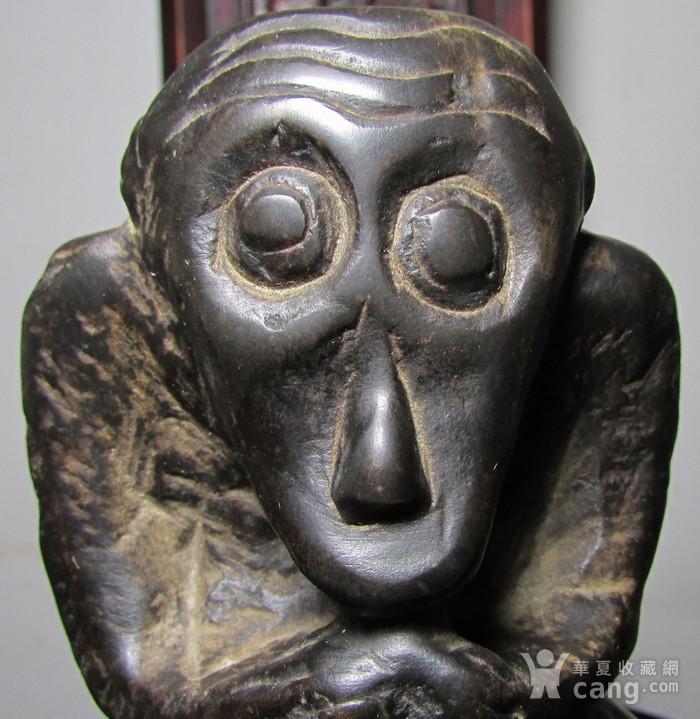 青石雕猕猴献寿文房摆件图7