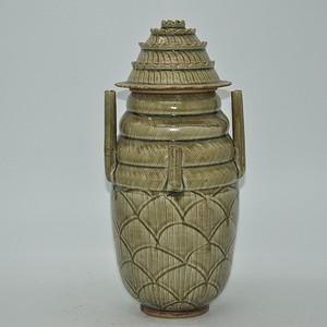 老龙泉釉瓷瓶有伤