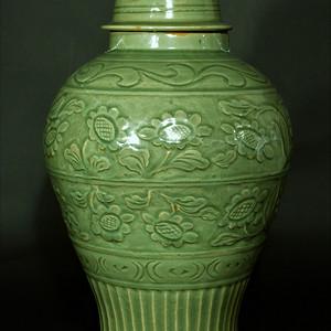 欧美回流 龙泉窑花卉纹饰大盖罐