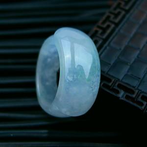 冰种绿马鞍形戒指
