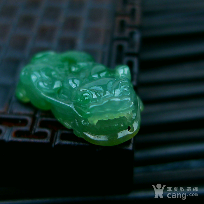 冰种满绿貔貅吊坠图5