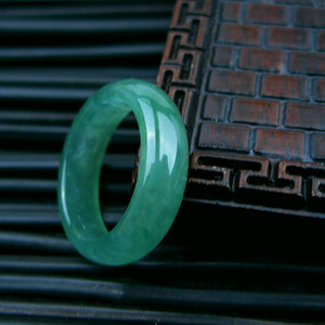 冰种绿精美戒指