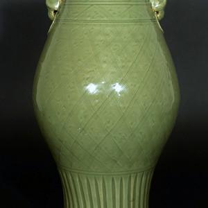 欧美回流 明代龙泉窑双狮耳大橄榄瓶