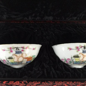 民国 丽华瓷业公司 粉彩碗一对 赠送精美锦盒