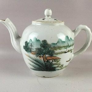 民国浅降山水茶壶