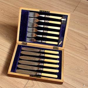 特殊材质 一套12件带原装盒回流刀叉餐具