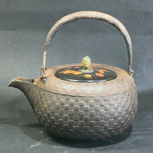明治时期草纹老铁壶