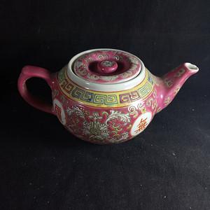 567粉彩茶壶