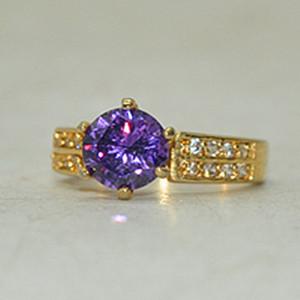 4.4克镶水晶戒指