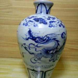 青花龙梅瓶
