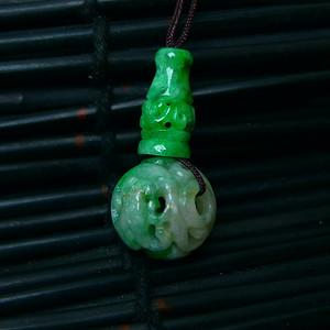 佛头三通 冰润满绿镂空雕吊坠