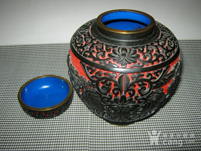 晚清铜胎剔红剔黑罐子图6