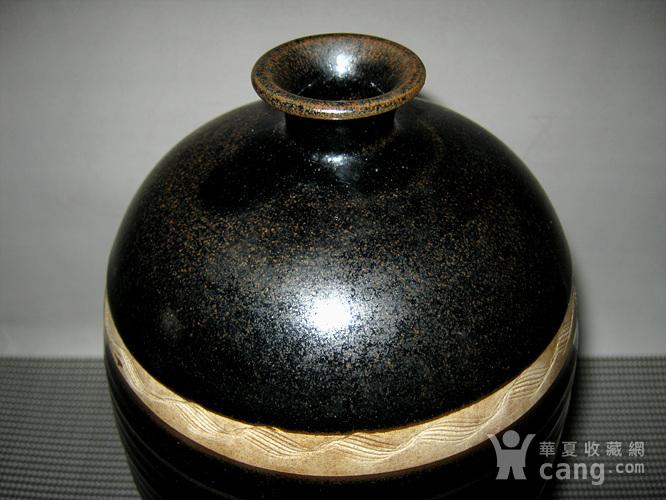 *金黑釉梅瓶图2