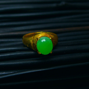 冰种蛋型镶铜戒指