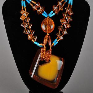 金包蜜大吊坠琥珀松石项链
