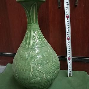 绿釉天球瓶