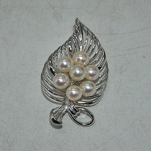 9克镶珍珠胸针