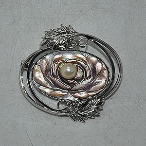 9.8克镶珍珠胸针